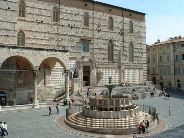 12-1-CattedraleSanLorenzo_Perugia_GF.jpg