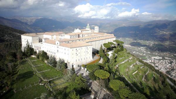 14-Abbazia-di-Montecassino-veduta-dallalto2.jpg