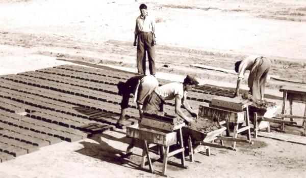 14-operai-diuna-fornace-negli-anni-50.jpg