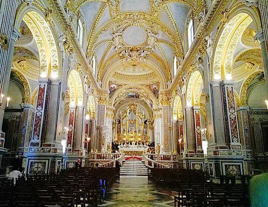 16-interno-della-chiesa.jpg