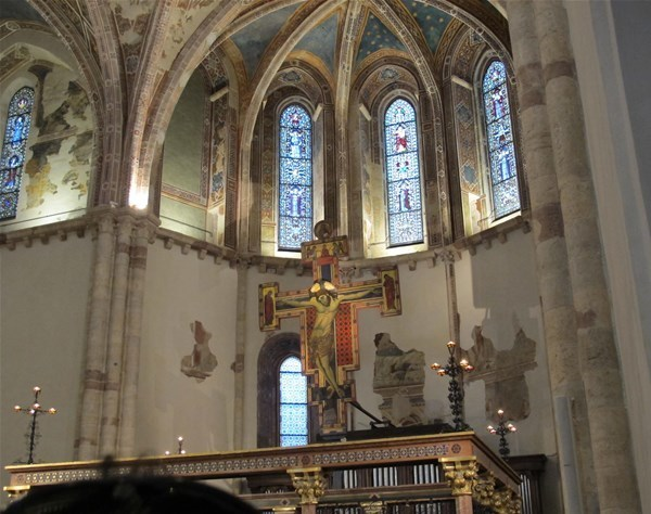 19-Assisi,_santa_chiara,__GF.jpg