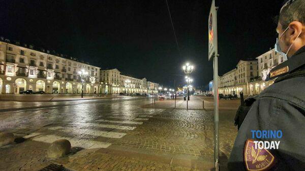 3-Torino controlli polizia movida covid piazza Vittorio-2.jpg