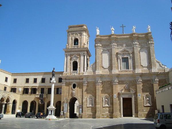 31-monumenti-da-vedere-brindisi-cattedrale.jpg