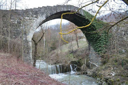 4-1-ponte cervaro.jpg