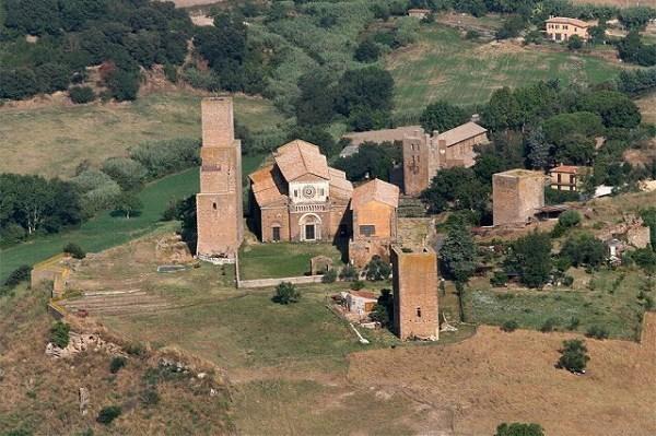 5-San Pietro -Tuscania.jpg