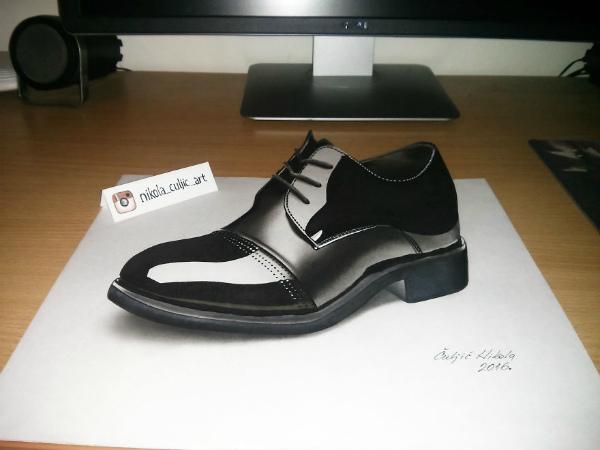 5-disegno-3d-scarpa-pennarelli-neri.jpg