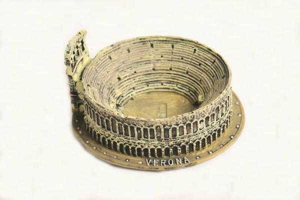 7-souvenir-arena-verona.jpg