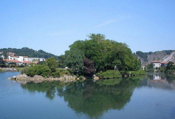 9-LIsola-dei-Fagiani-sul-fiume-Bidasoa-07.jpg