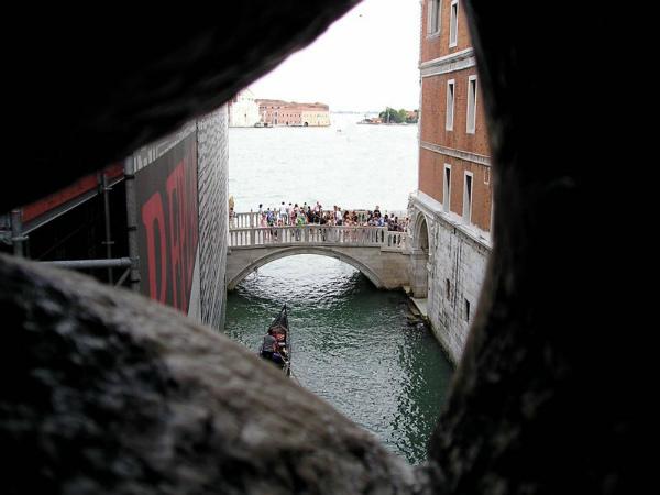 9-Ponte-dei-Sospiri-4.jpg