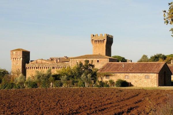 9 - Il castello di Spedaletto 1200.jpg