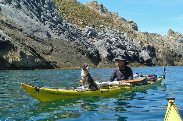 giro-del-editerraneo-in-kayak-con-il-cane-1 (1).jpg