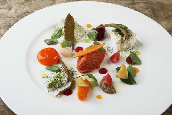 tuorlo-uovo-marinato-con-verdure-in-carpione-chef-carlo-cracco.jpg