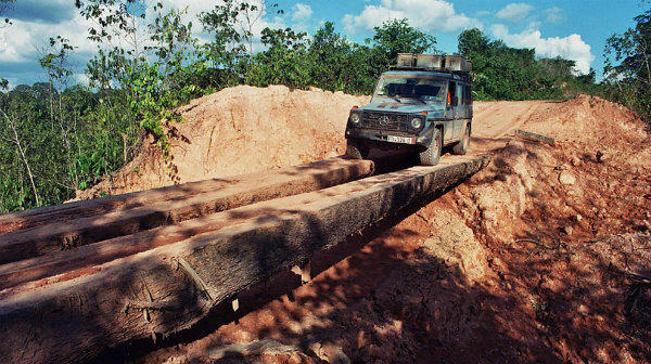 viaggio-incredibile-26-anni-per-il-mondo-in-jeep-12.jpg